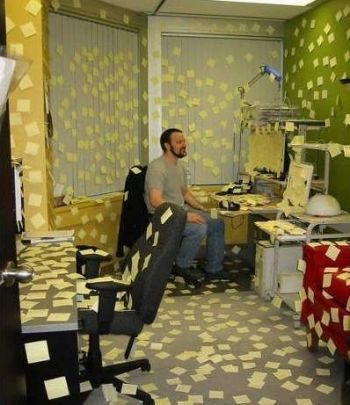 Funny Pictures of Office Post It Notes Prank