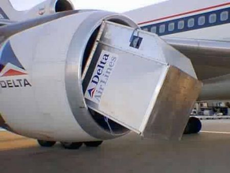 Funny Pictures of Luggage Container in Plane Engine
