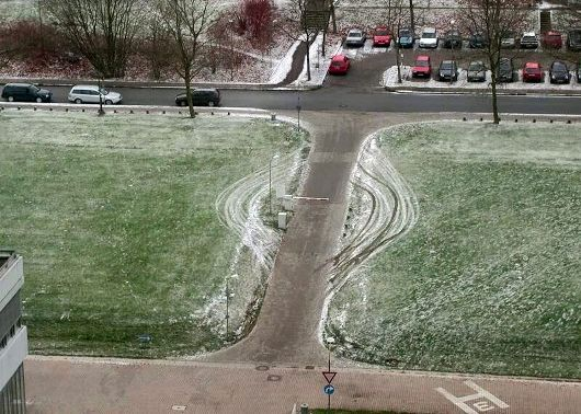 Funny Pictures of Snow Parking Lot