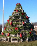 Funny Pictures of Christmas Tree Made From Lobster Traps